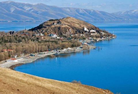 Озеро Севан - достояние Армении
