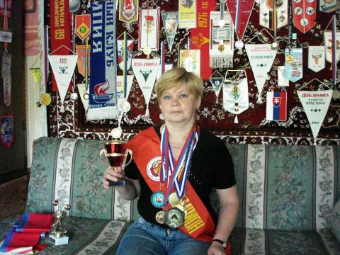 Надежда Гагаринская, рекордсменка Европы и России, победитель первенства Европы и первенства мира среди ветеранов по тяжелой атлетике, двукратный победитель первенства стран СНГ, 11-ти кратный победитель первенства России, г. Кирово-Чепецк