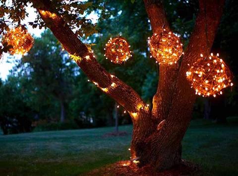 Необычный уличный светильник…