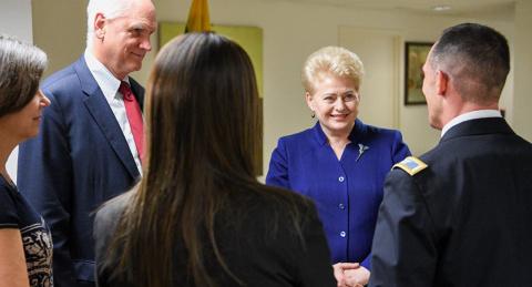 Геополитика жертвенного барашка: литовские ордена для военных США
