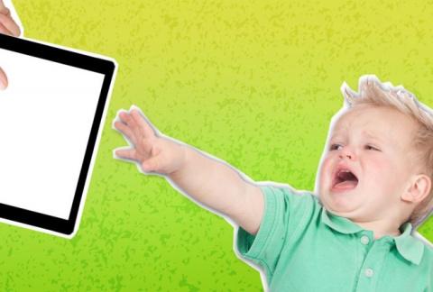 Если малыш долго играет с iP…