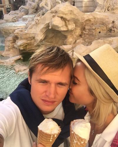 Романтика и мороженое: Бузов…