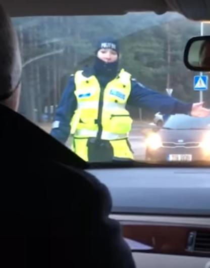 Правый руль удобная штука или шутка из Эстонии