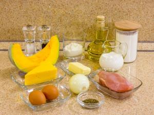 Рецепт: Пирог с тыквой и курицей
