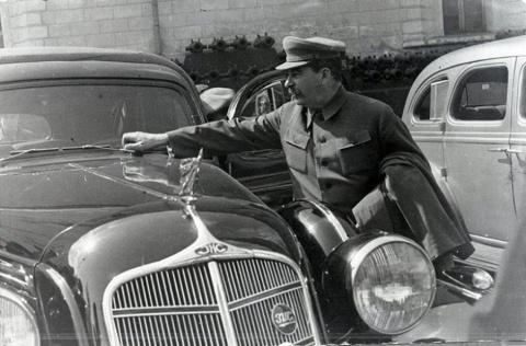 Личный бронеавтомобиль товарища Сталина