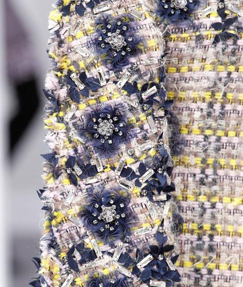 Сложные узоры, канитель, бисер и пайетки в прекрасных вышивках высокой моды