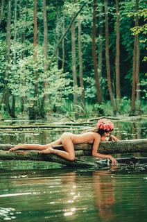 Красавицы у воды (ФОТО 18+)