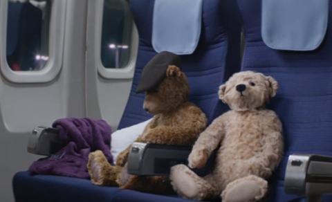 Трогательный рождественский ролик про пожилых мишек стал Интернет-хитом