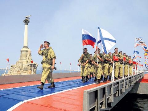 Цель госпереворота на Украине - создание в Крыму мощной военной группировки США
