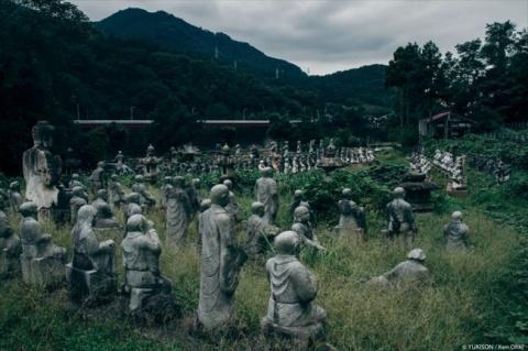 В Японии найдена деревня с множеством статуй