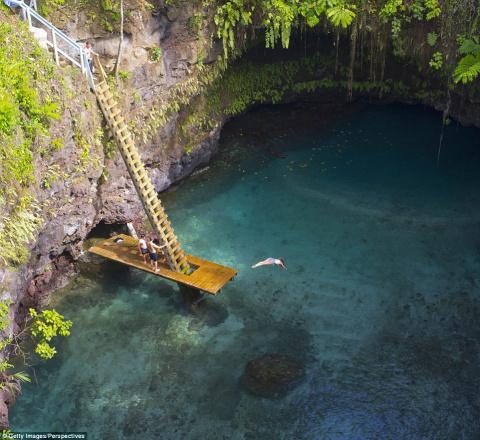 20 райских уголков Земли, которые встретят вас кристально чистыми водами