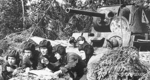 Как советские танкисты восст…