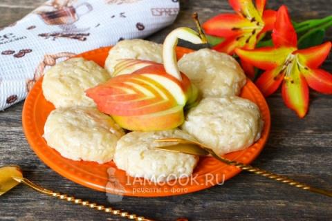 Сырники на пару с яблоком