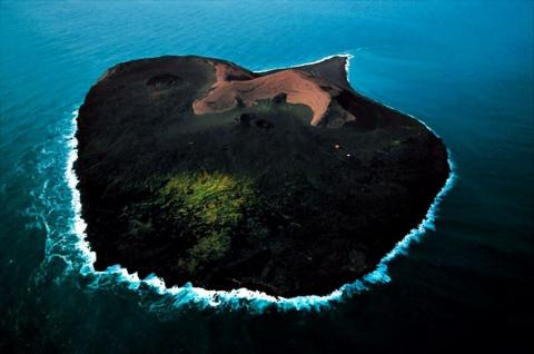 Загадочный запретный остров в океане