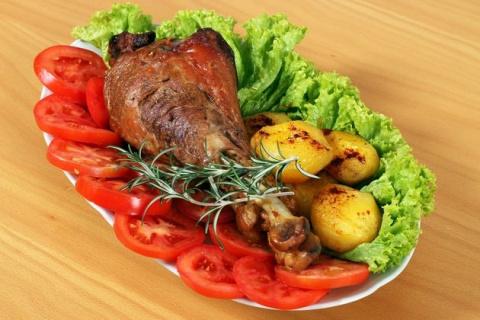 Голени индейки с овощами - невероятно вкусно и полезно!