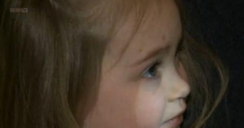 Она загрузила фото дочери на…