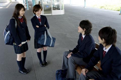 Скоро в школу: как выглядит школьная форма в разных странах