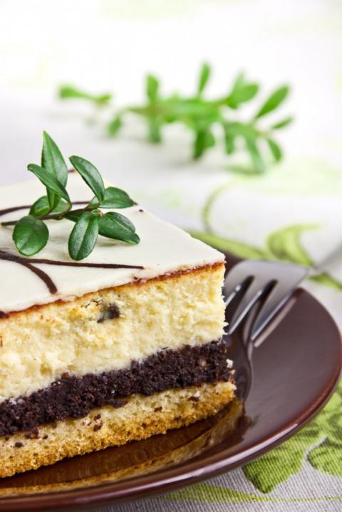 Торт с халвой и ореховым кремом