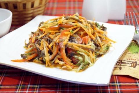 Вкусный салат с морской капустой