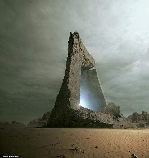 Человек рассказывает о том, как побывал на чужой планете по приглашению пришельцев