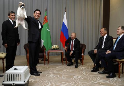 Президент Туркменистана пода…