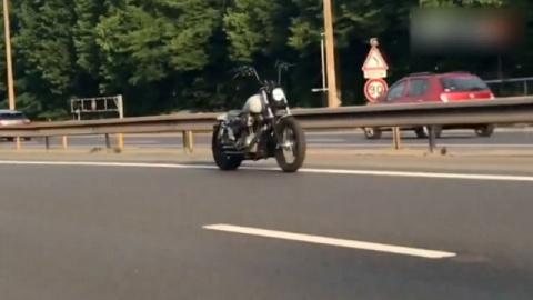 Мотоцикл без водителя промча…