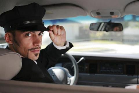 Как таксист пытался научить …