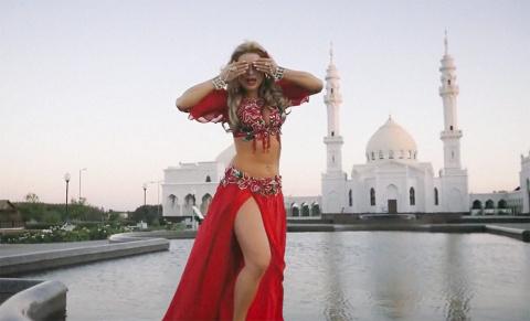 Татарская певица извинилась за клип, оскорбивший мусульман. Извинения не приняли