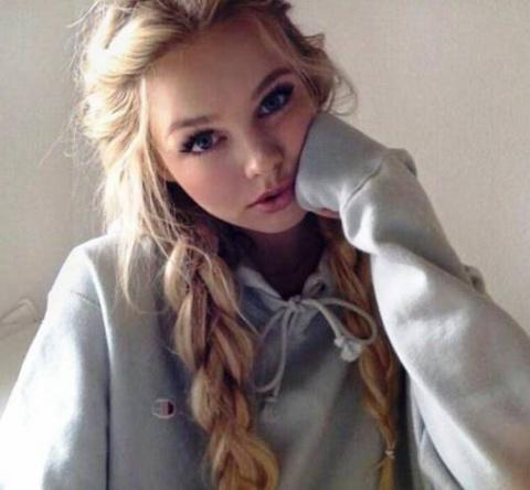 Для тех кто ценит красоту — очаровательные девушки, без особых прикрас
