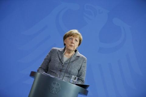 Меркель пытается убедить Евр…