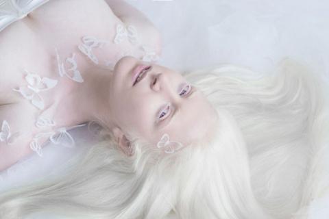 Гипнотизирующая и удивительная красота людей-альбиносов