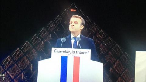 Избрав Макрона, французы выб…