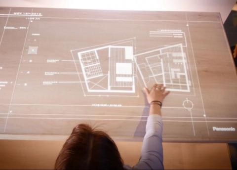 Panasonic представила «умный стол»