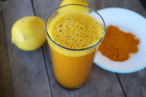 Оздоравливайтесь!! Пейте куркуму и лимонную воду Это полезно