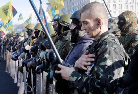 Пауза над Цэевропой: Новый переворот, и чтобы законно. Радикалы ждут…