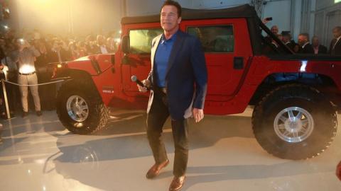 Шварценеггер переделал свой Hummer в электромобиль