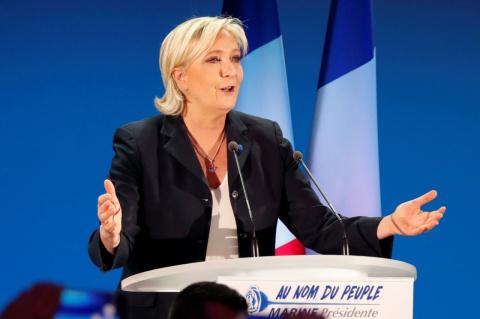 Выборы во Франции: Ле Пен покидает пост руководителя «Национального фронта»