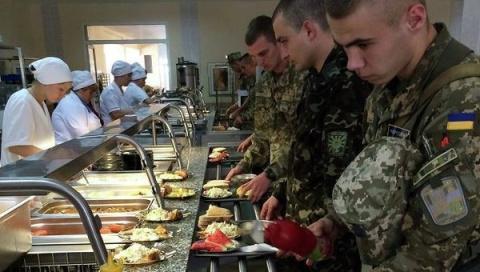 Бойцов ВСУ будет кормить «ко…