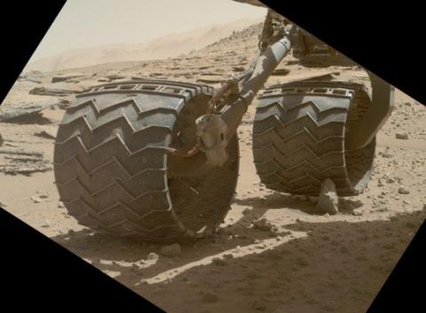 Разрушение колёс Curiosity п…