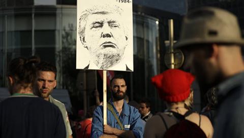 На акцию «Трамп не приветствуется» пришли около шести тысяч брюссельцев