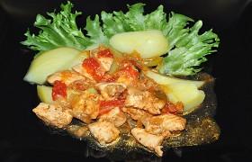 Тушеная курица по-венгерски …