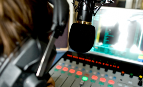 На волнах российского радио появится украиноязычная передача