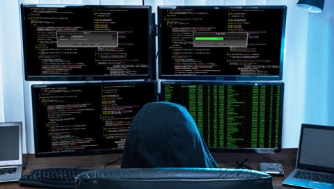 ФСБ: иностранные спецслужбы готовили кибератаки на финансовую систему РФ