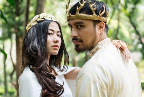 Индонезийская пара устроила стилизованную под «Игру престолов» фэнтези-свадьбу