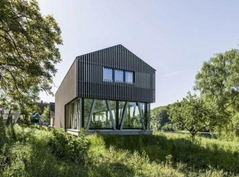 Деревенский коттедж Хемисхофен в Швейцарии