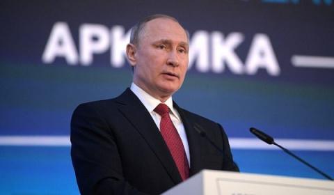 Путин провел параллель между митингами Навального и Майданом