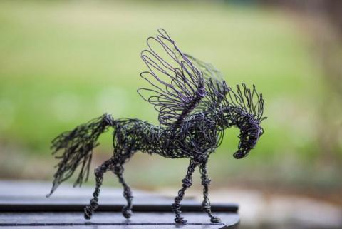 Скульптуры животных из проволоки
