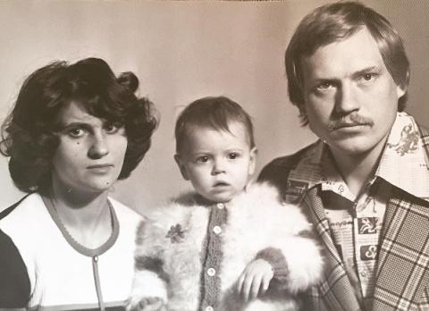 Любовь Толкалина отметила 39-летие с родителями