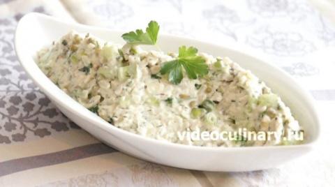 Обалденный салат из риса с курицей