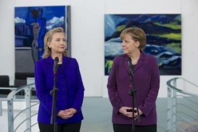 Неудачницы: Меркель боится повторить судьбу Клинтон и вводит цензуру в Фейсбуке